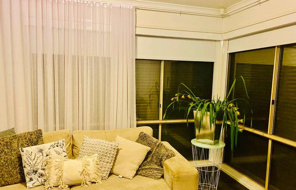 Sheer Curtains / Drapes