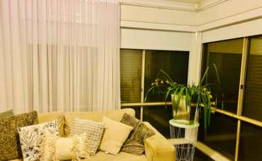 Sheer Curtains / Drapes